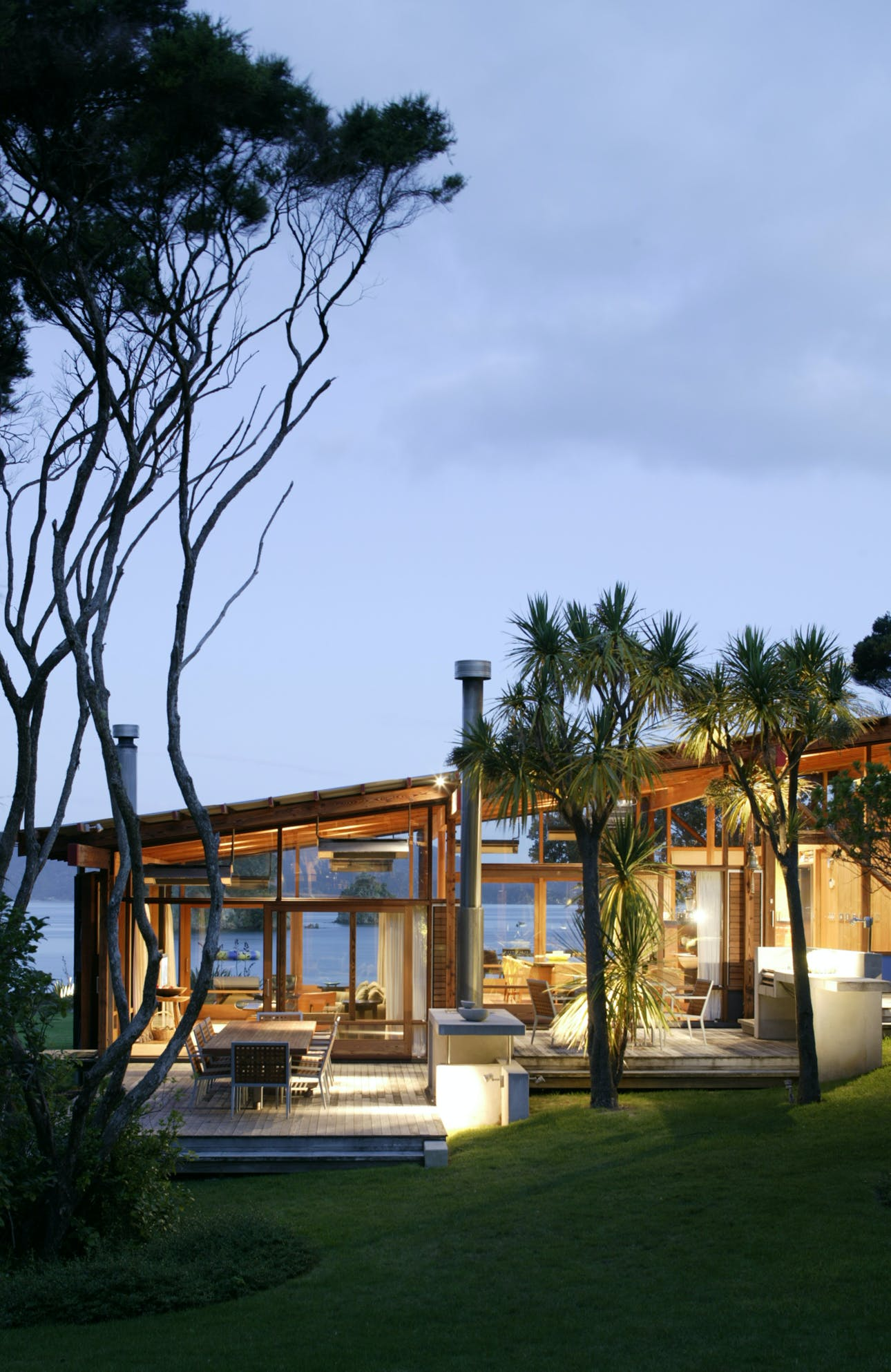 Island Complex Bossley Architects Archinect - Modern-okitu-house-by-pete-bossley