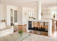 Doubled sided fireplace / cheminée double faces