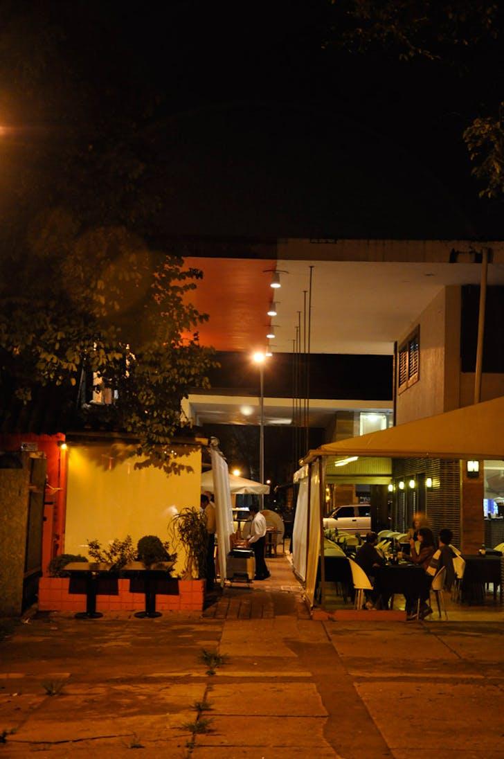 Brasilia: access encroachment