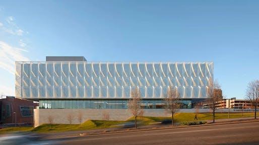 University of Cincinnati, Gardner Neuroscience Institute, Cincinnati, by Perkins&Will. Image: Mark Herboth