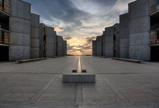 Salk Institute for Biological Studies courtyard. Image courtesy of Joe Belcovson for the Salk Institute of Biological Studies