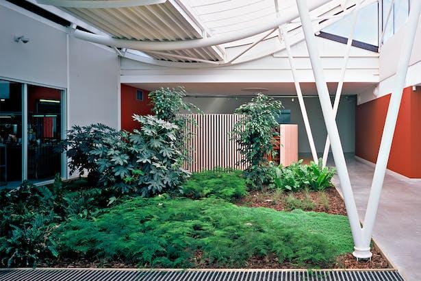JFS_Jean Francois SCHMIT architectes_maroquinerie Iseroise_interior hall