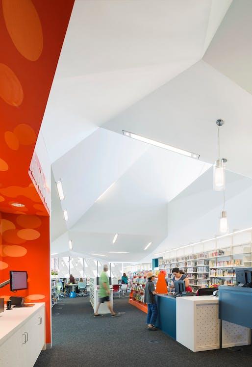 Pico Branch Library. Photo © Eric Staudenmaier.