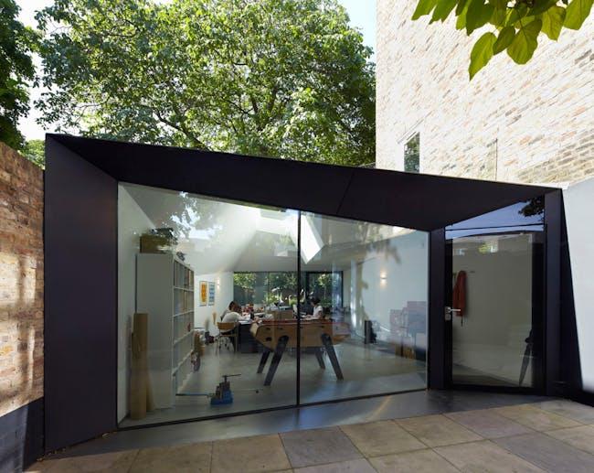 Lens House, Alison Brooks Architects Ltd. Photo: Paul Riddle Farningham House Cottage, Emrys Architect. Photo: Paul Riddle