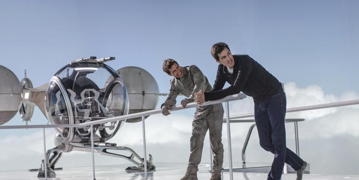 Joseph Kosinski and Tom Cruise, on the set of Oblivion