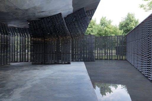 Serpentine Pavilion 2018, designed by Frida Escobedo, Serpentine Gallery, London (15 June – 7 October 2018) © Frida Escobedo, Taller de Arquitectura. Photography © 2018 Iwan Baan.