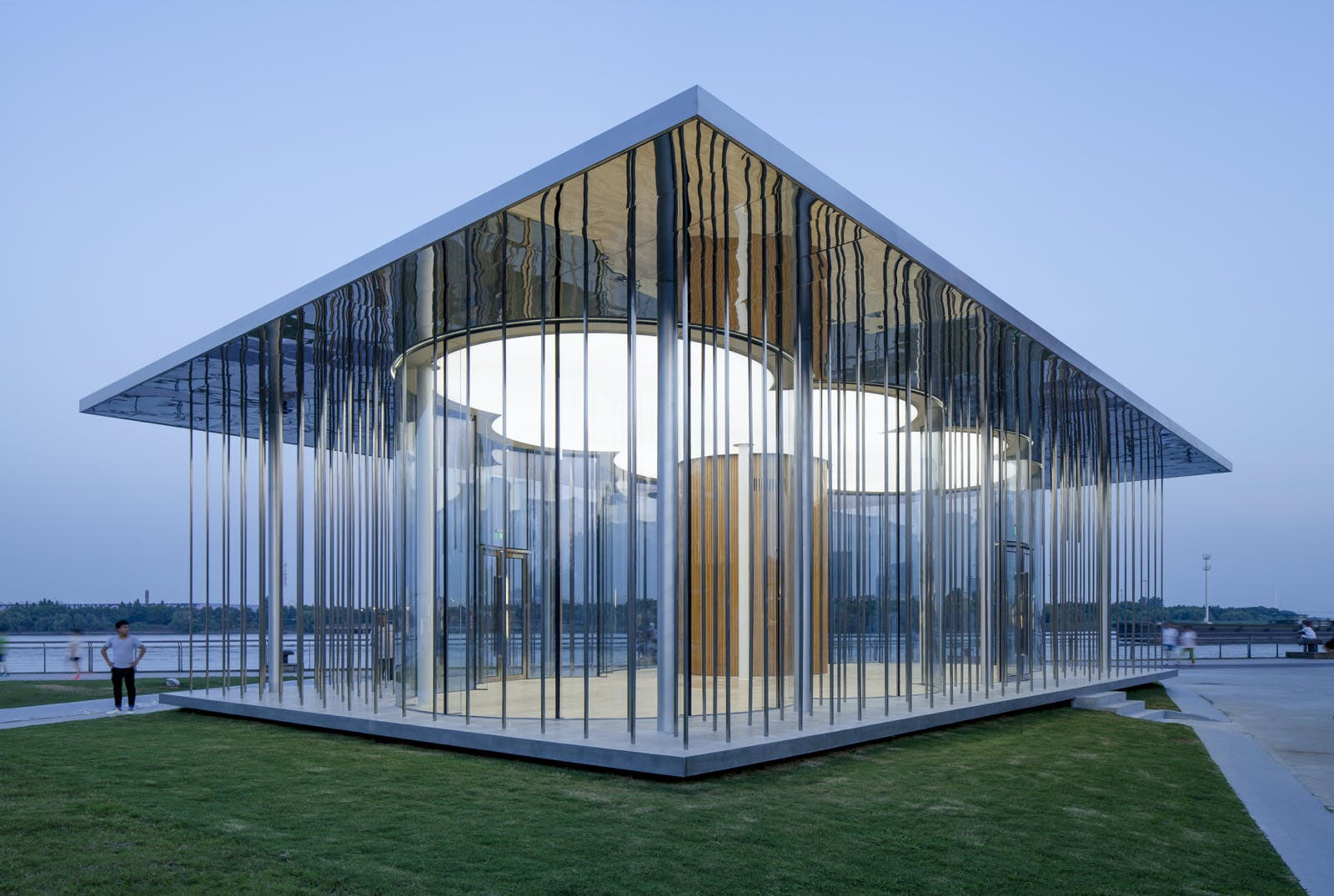 Shl S Shanghai Cloud Pavilion Is A Stunning Glass And Steel