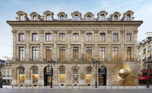 Façade of the new Louis Vuitton store on Place Vendôme. © Louis Vuitton. Photography: Stéphane Muratet