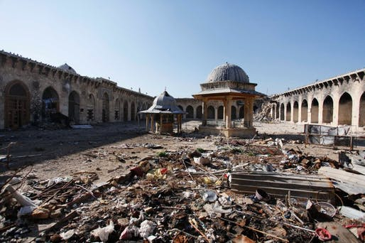 Amid the humanitarian disaster, there are some who are also trying to save the country's cultural heritage. Here, the Umayyad Mosque in the old town of Aleppo. A 26-year-old named Ward Furati removed the minaret to put it in safe keeping. (Spiegel Online; Photo: Reuters)