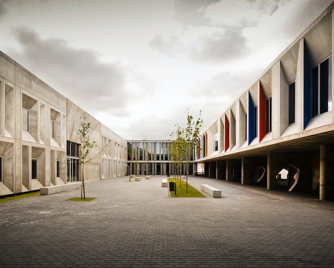 Secondary School, Braamcamp Freire Pontinha in Lisbon, Portugal by cvdb arquitectos; Landscape architecture: F&C Arquitectura Paisagista; Photo: invisiblegentleman.com