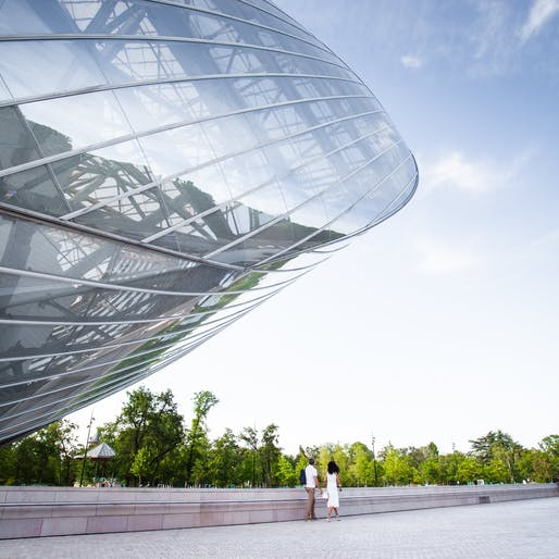 #MyFLV contest finalist image of Frank Gehry's Fondation Louis Vuitton Building, located in Paris, FR. Image: Jérémy Thomas.