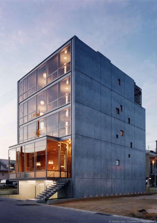 Naha City Gallery & Apartment Home by 1100 Architect. Photo: Shinito Sato