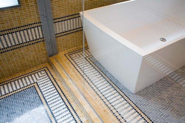 Master bath detail