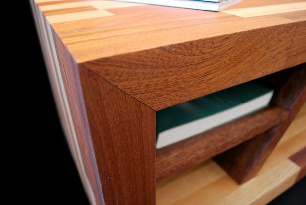 Corner / Shelf Detail