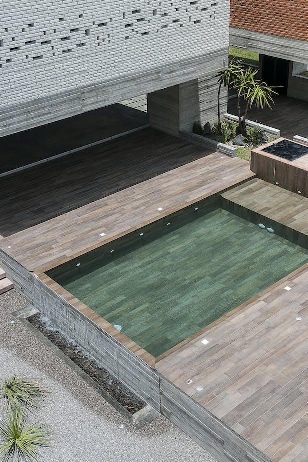 the pool / Photographer: Jaime Navarro