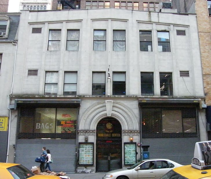 Everard Bathhouse in NYC, which operated from 1888 to 1986. Image via Wikipedia.