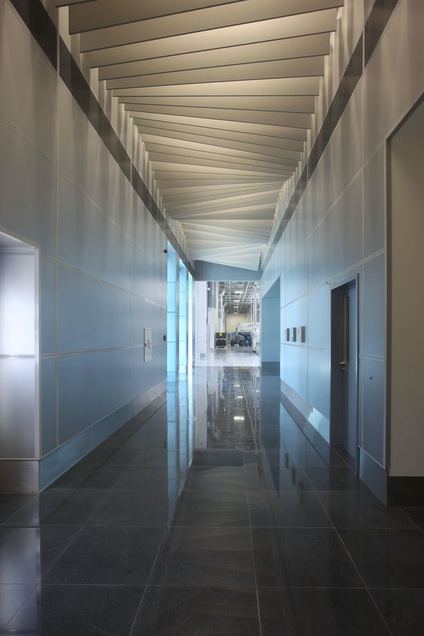 KMS Interior - entrance