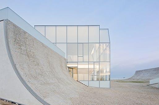Cité du Surf et de l'Océan by Steven Holl Architects. Photo © Iwan Baan