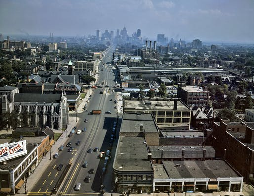 Looking down Woodward Ave towards downtown Detroit in 1942, before the storied disappearance of the automotive industry. Credit: Wikipedia