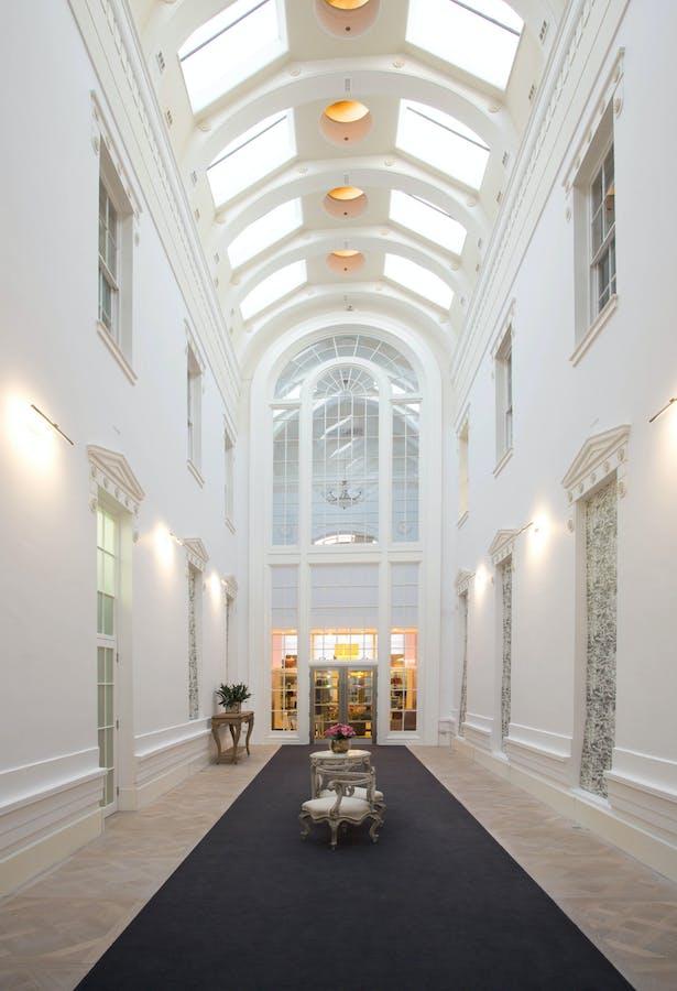 Grace Belgravia: Atrium