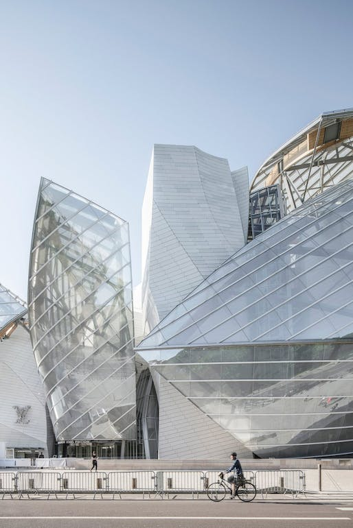 #MyFLV contest finalist image of Frank Gehry's Fondation Louis Vuitton Building, located in Paris, FR. Image: Yi-Hsien Lee.