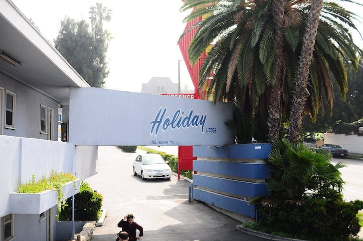 The Holiday Lodge motel that will house 'One-Night Stand LA' for the second time. Image credit: William Hu