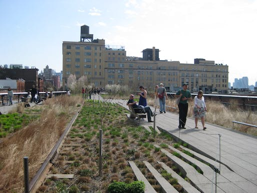 The Highline, via wikimedia.org.