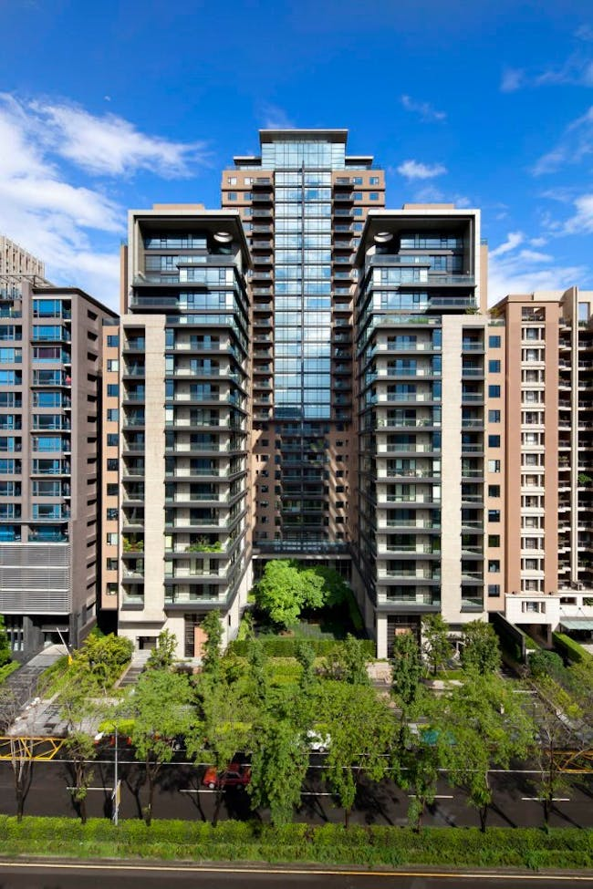 The Garden Residential Towers by Perkowitz + Ruth. Photo © Lawrence Anderson Photography, Inc.