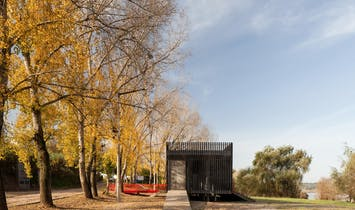 ateliermob designs a flood-resistant canoeing station in Portugal