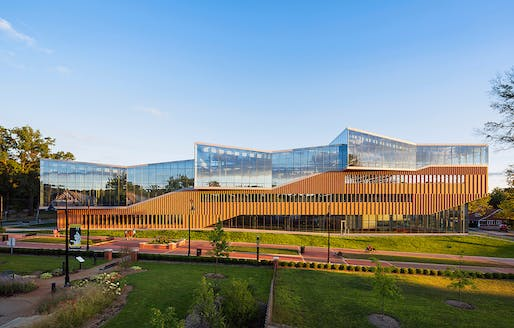 The Kent State Center for Architecture and Environmental Design (Kent, Ohio, 2016) by WEISS/MANFREDI. Photo: Albert Večerka/Esto.