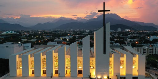 Windows for the Cathedral Saint Eccehomo of Valledupar, Colombia by Daniel Castillo. Image courtesy CODAawards