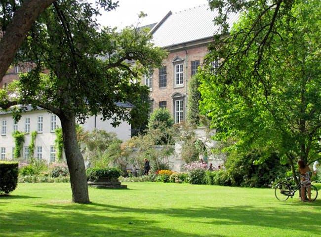 The garden of The Royal Library. Photo courtesy of Bertelsen & Scheving.