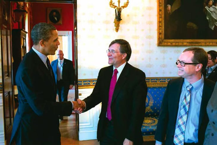 Terry Sejnowski, neuroscientist for the Salk Institute and the BRAIN Initiative, meets Obama at the Initiative's announcement. Image via salk.edu.
