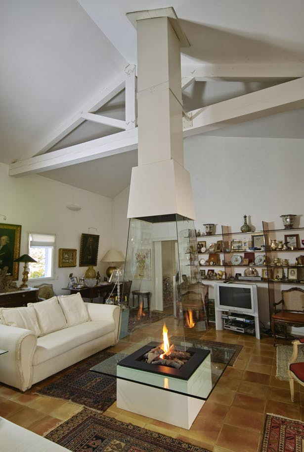 Bloch Design fireplace 2