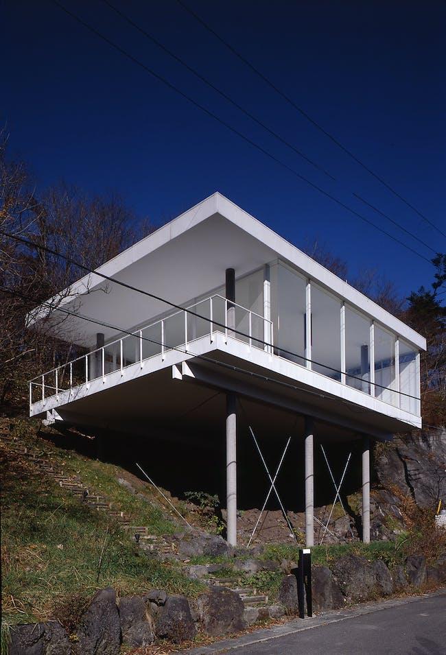 PC Pile House, 1992, Shizuoka, Japan. Photo by Hiroyuki Hirai