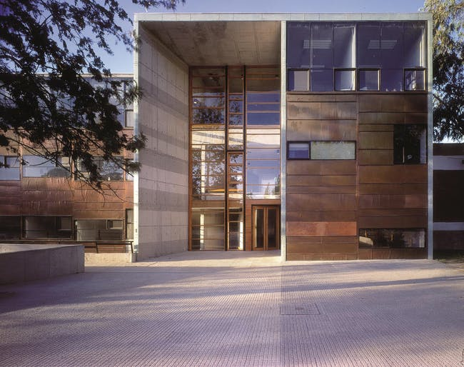 Mathematics School, 1999, Universidad Católica de Chile, Santiago, Chile. Photo by Tadeuz Jalocha. Courtesy of ELEMENTAL.