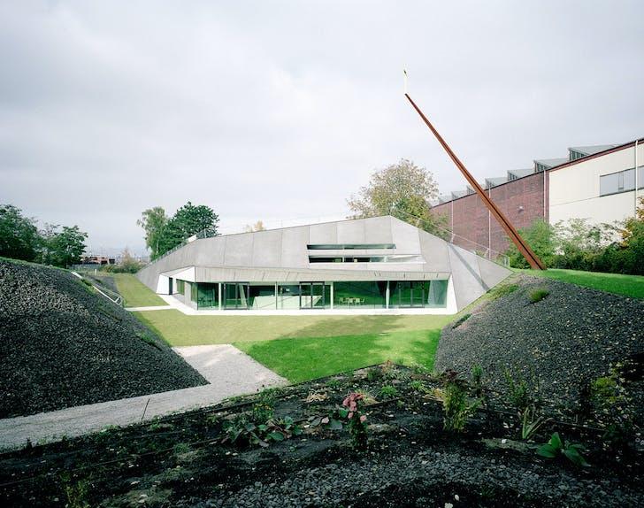 Exterior view (Photo: David Schreyer)