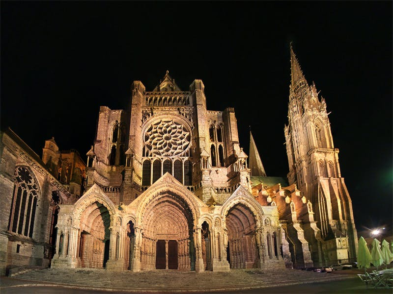 Chartres Cathedral Restoration Stirs Up Debate About