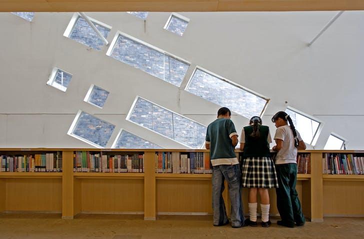 España Library interior, photo credit Sergio Gomez, image courtesy of El Equipo de Mazzanti.