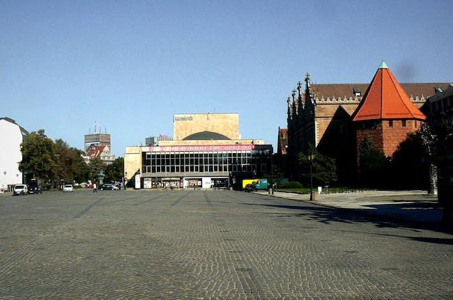 'Before' photo of Targ Węglowy Square.