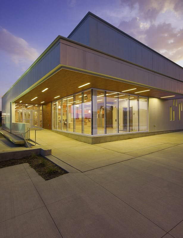 Ann Arbor District Library - Traverwood Branch (Image: inForm Studio)