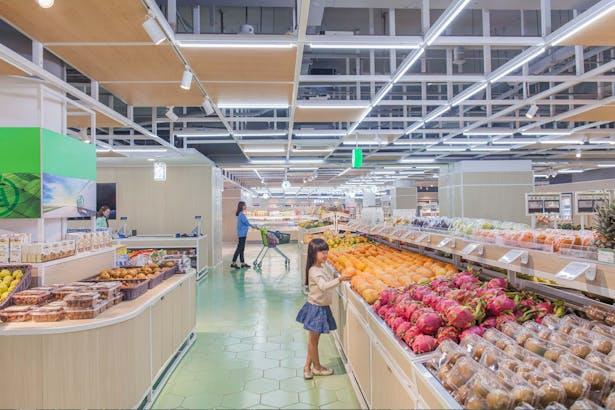 LATITUDE-market-08-fruits-vegetables-area