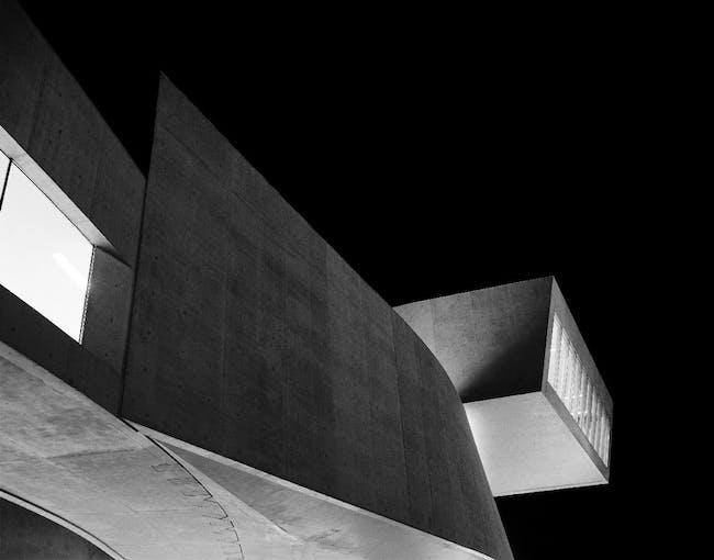 MAXXI Diptychon, architecture Zaha Hadid, 2009. Photo © Hélène Binet. Courtesy ammann // gallery