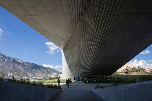 Roberto Garza Sada Center, University of Monterrey, 2012. Photo © Shigeo Ogawa.