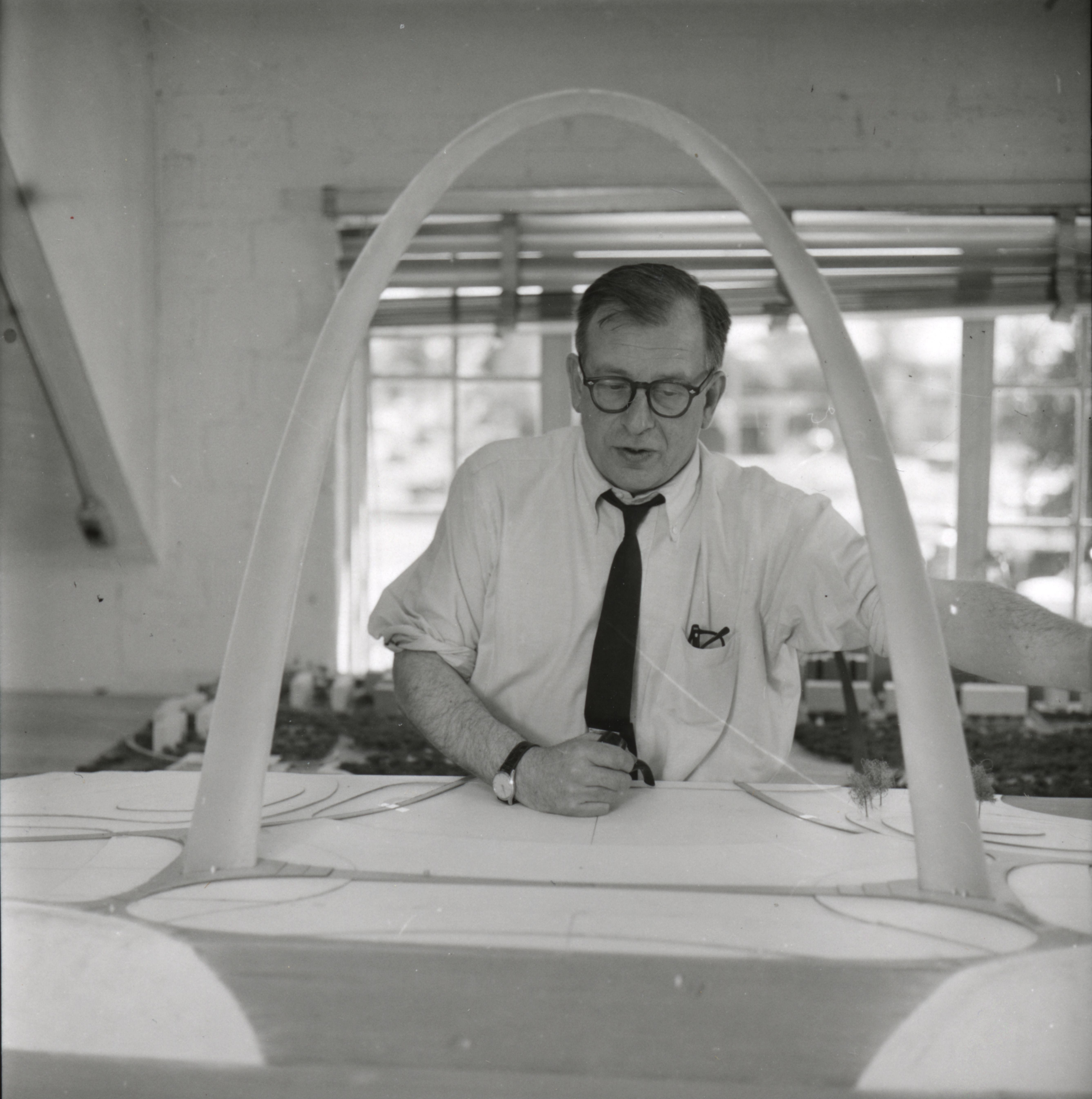 the visionary workaholic an intimate luscious documentary portrait of eero saarinen features. Black Bedroom Furniture Sets. Home Design Ideas