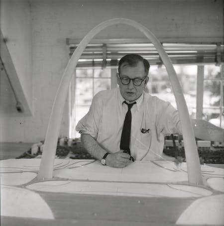 Eero Saarinen with a model of St. Louis' Gateway Arch, ca. 1957. Credit: Manuscripts & Archives, Yale University Library. Courtesy of ADFF.