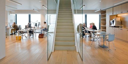 Interior of the completely revamped office spaces (Photo: Marcel van der Burg)