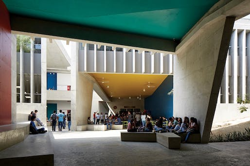 Edificio E, Lecture Building, University of Piura in Piura, Peru by Barclay & Crousse (Lima, Peru)​. Photo: Cristóbal Palma.