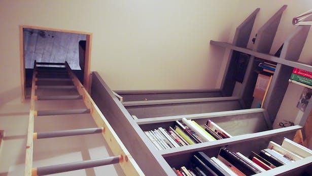 bedroom loft ladder and book shelves