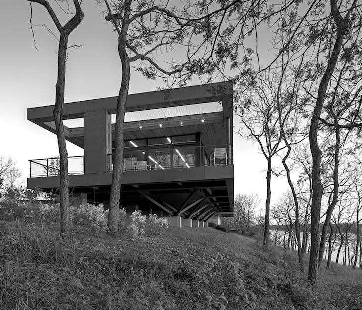 Hudson River Residence by BWArchitects & the UNIONWORKS. Courtesy of Scott Benedict.